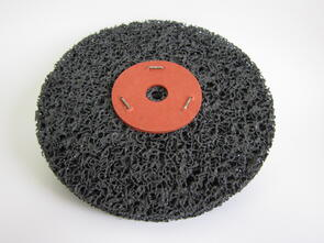 SAN Strip & Clean Disc Black 200mm Washered